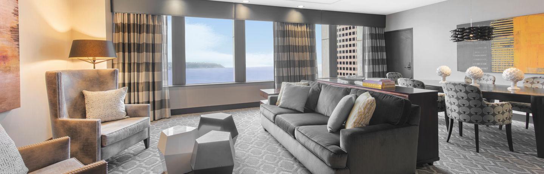Motif_Guestroom_Penthouse_LivingRoom