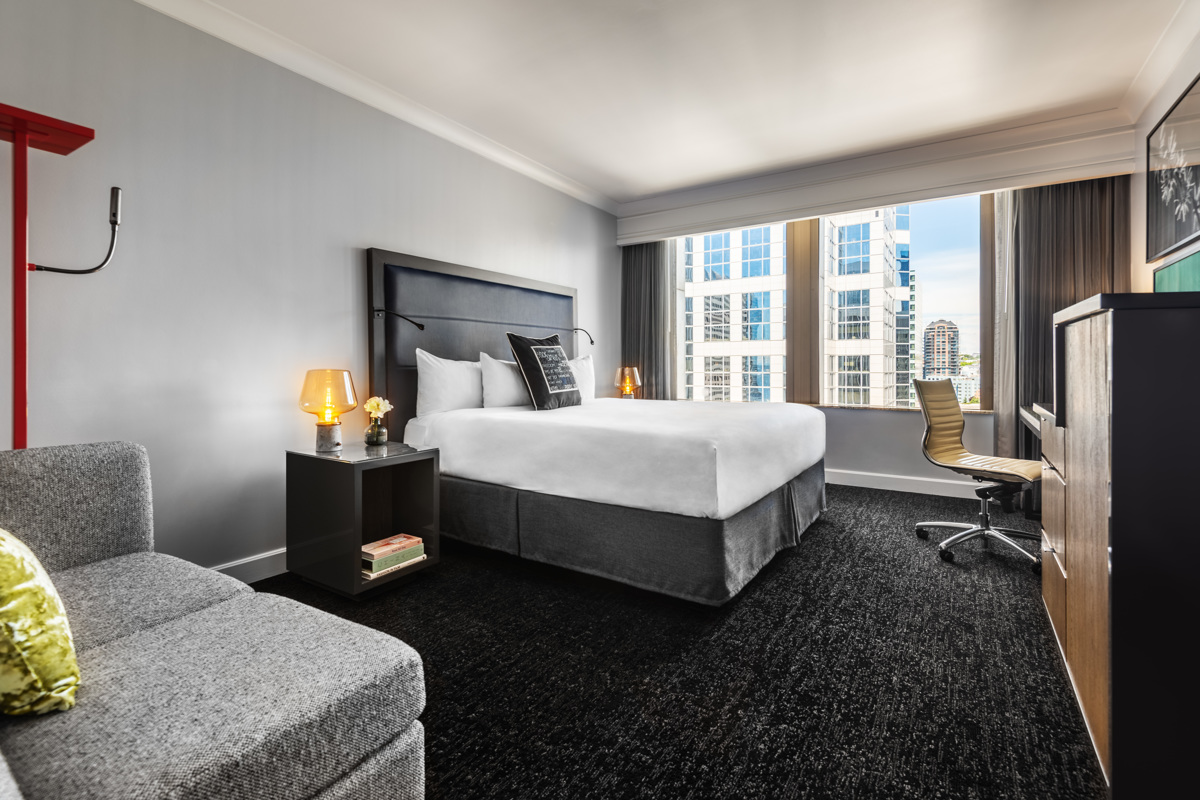 Motif_Guestroom_Premier King No L Couch