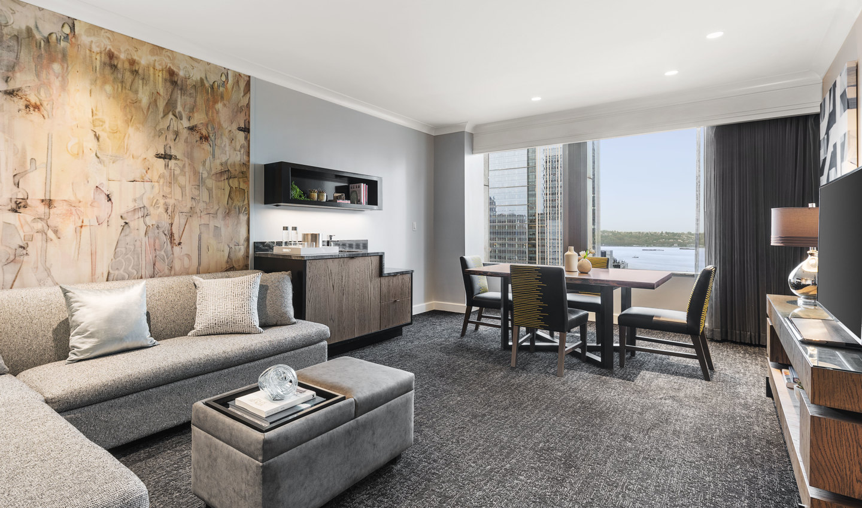 Motif_Guestroom_SignatreWaterViewSuite_Living Room_1901-FINAL