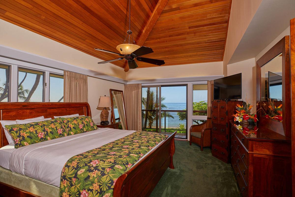 Puunoa-Beach-Estates-203-BED4