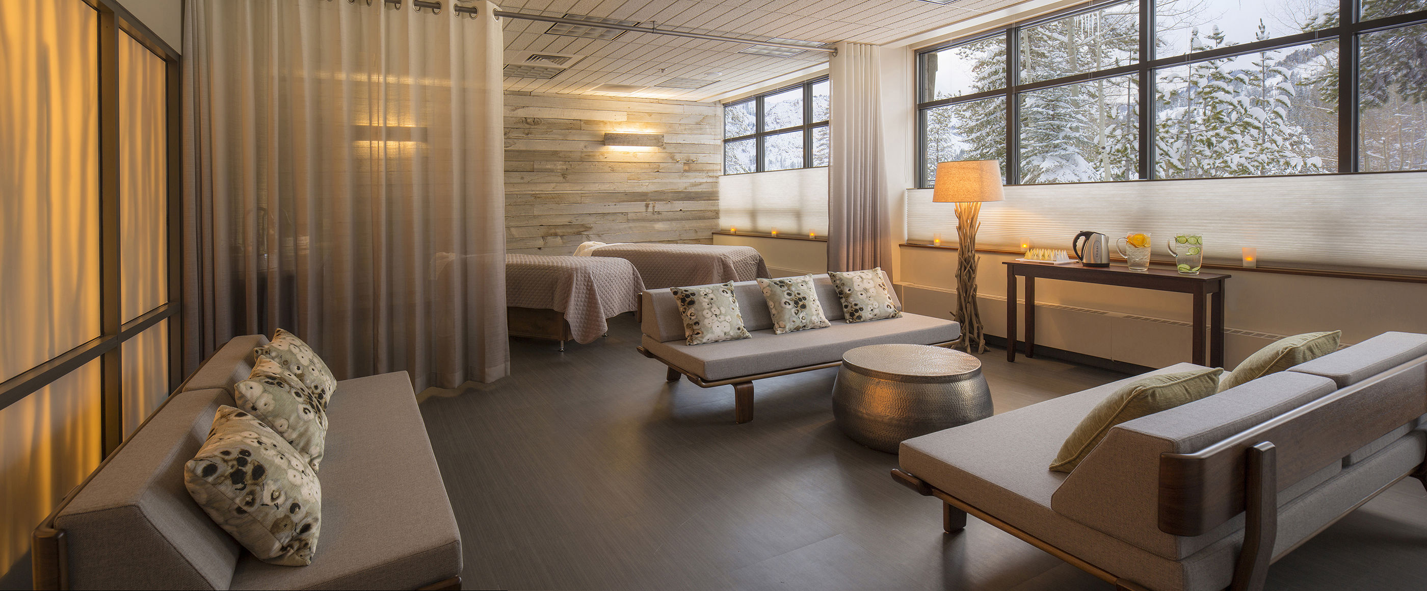 Resort at Squaw Creek's Spa Tranquility Room lounge