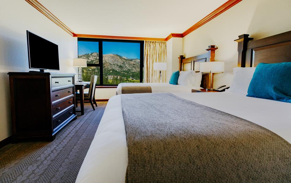RSC_Rooms_Summer_Deluxe Queen Valley