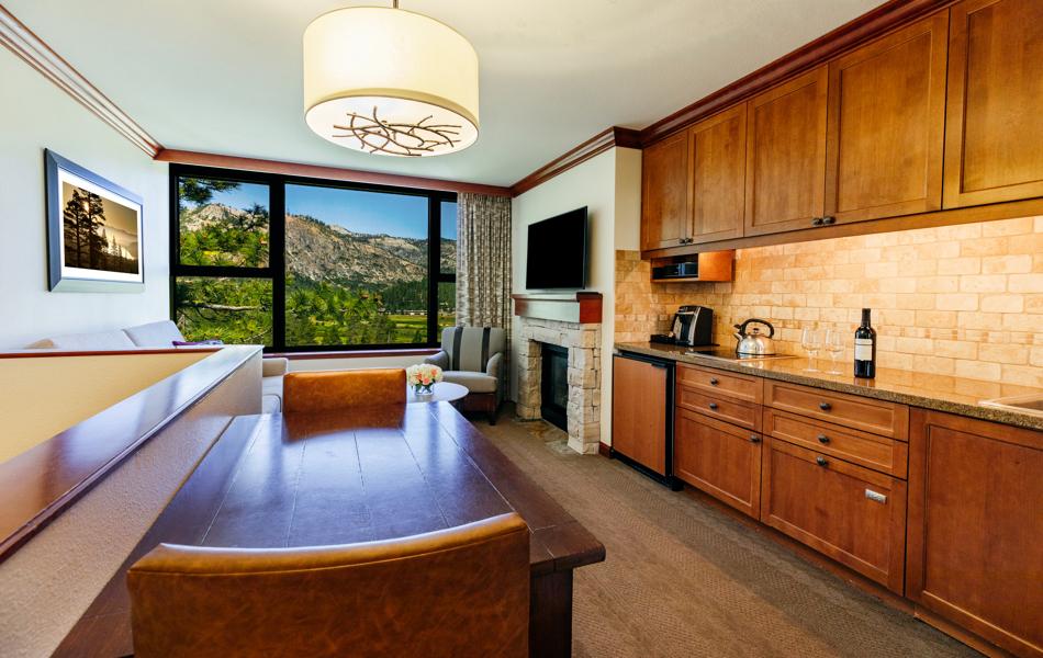 RSC_Rooms_Summer_Bi-Level One Bedroom Penthouse