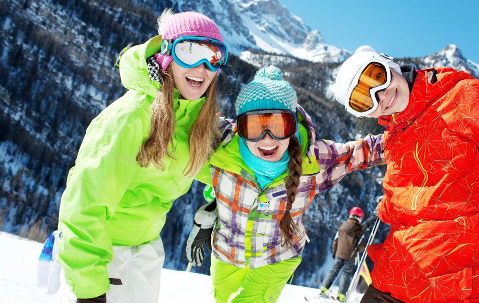 RSC_Skiing_Kids_three_smiling