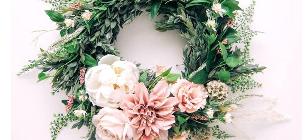 wreath masthead