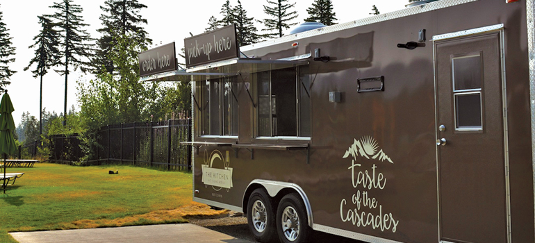 outdoor food truck at suncadia resort