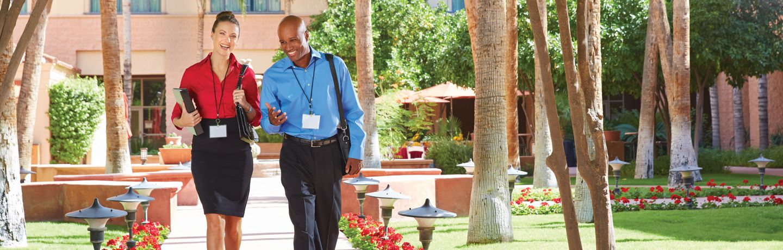 Meeting_attendees_in_courtyard