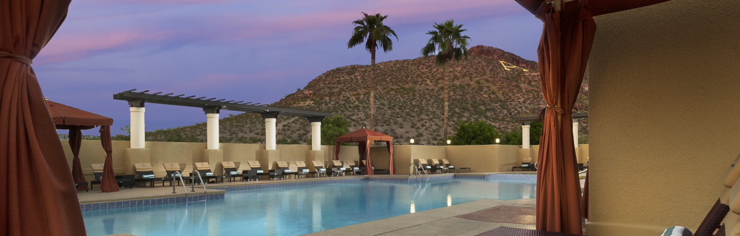Tempe_Exterior_PooltoHaydenButte