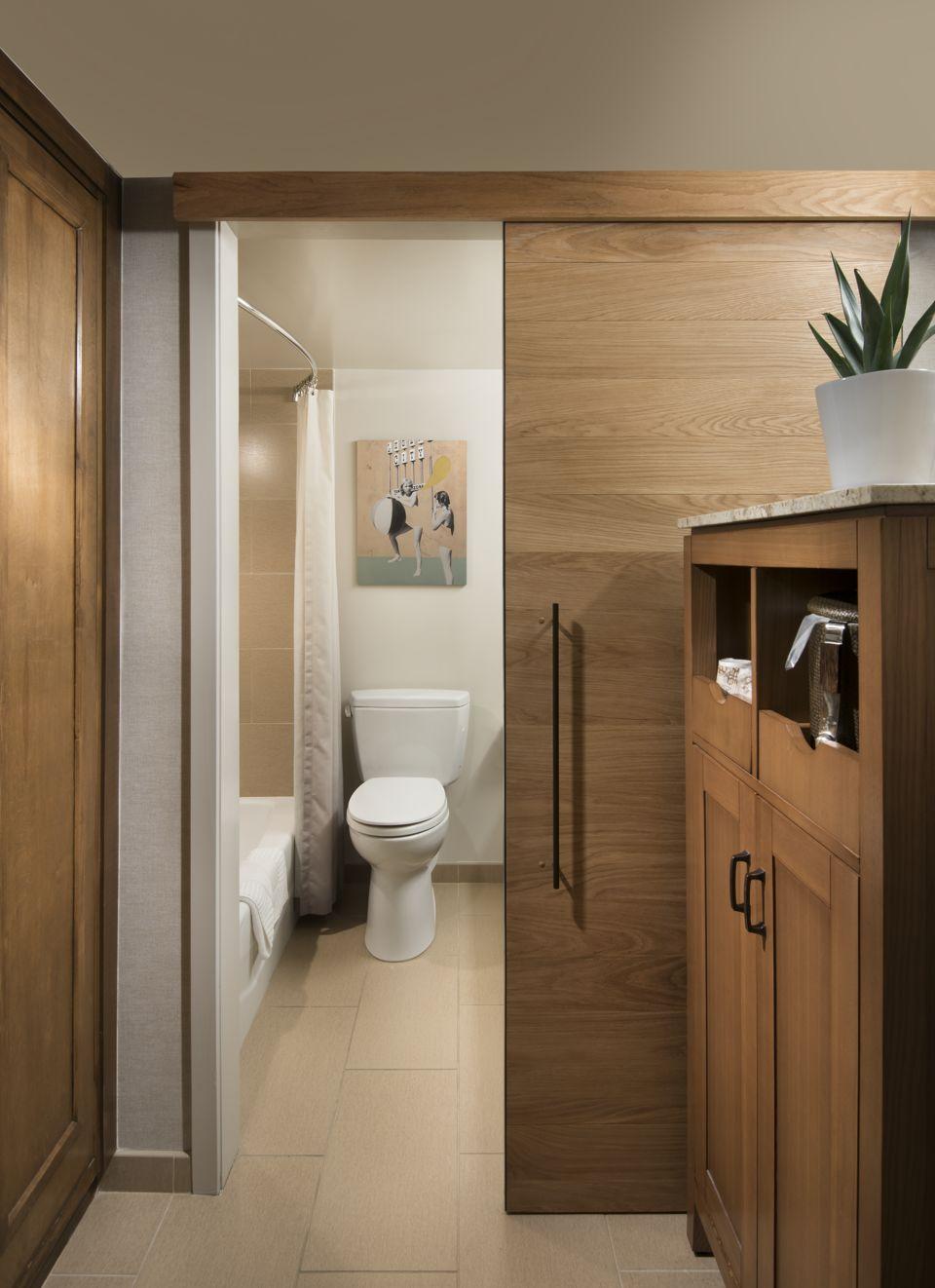 Model_room_bath_one