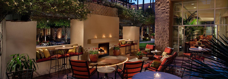 Harry's Place lounge patio