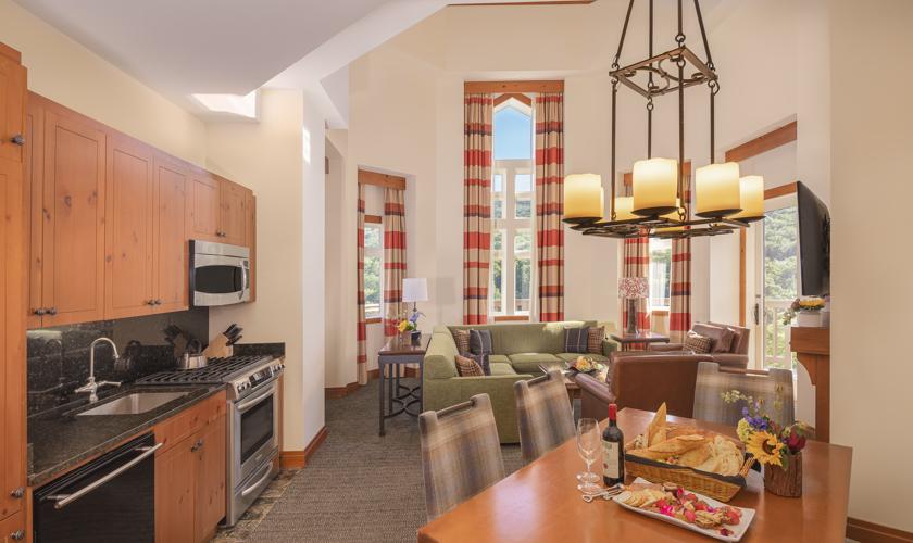 BTVDH-2020-Suite-Living-Area