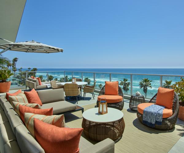 SANDO_P0028_Estate_Suite_Balcony_Beach_View