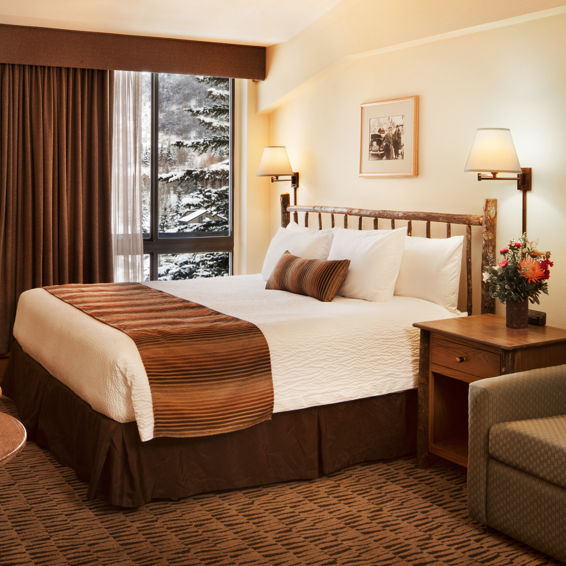 drsnowmass_stonebridgeinn_accommodations_kingroom