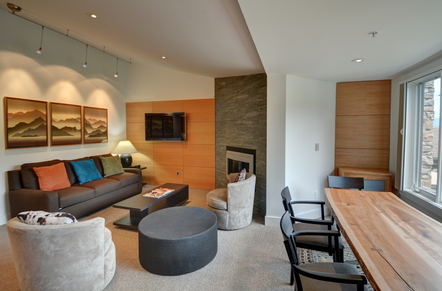 drsnowmass_accommodations_terracehouse_livingroom