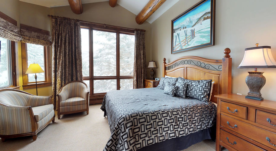 Blue Spruce East – Guest Bedroom
