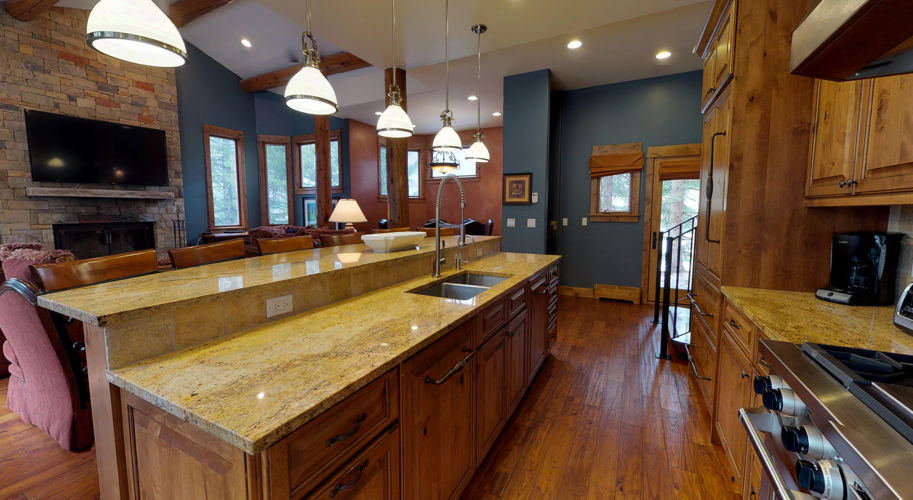 Blue Spruce West - Living Room