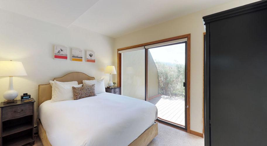 Cascade Meadows – Guest Bedroom