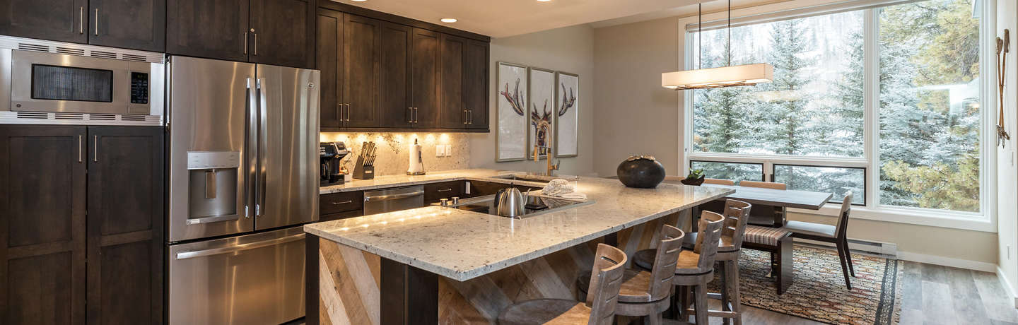 Located steps from Grand Hyatt Vail this luxury unit is spacious with upscale decor.