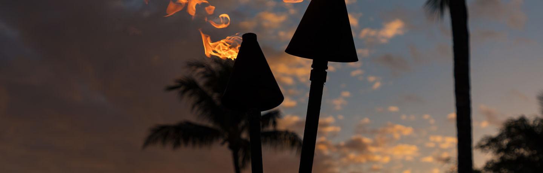 DR_Hawaii_Wailea Beach Villas_Grounds_Sunset_Tiki Torches