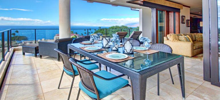 DR_Hawaii_Wailea Beach Villas_Interior_Lanai_Dining_View