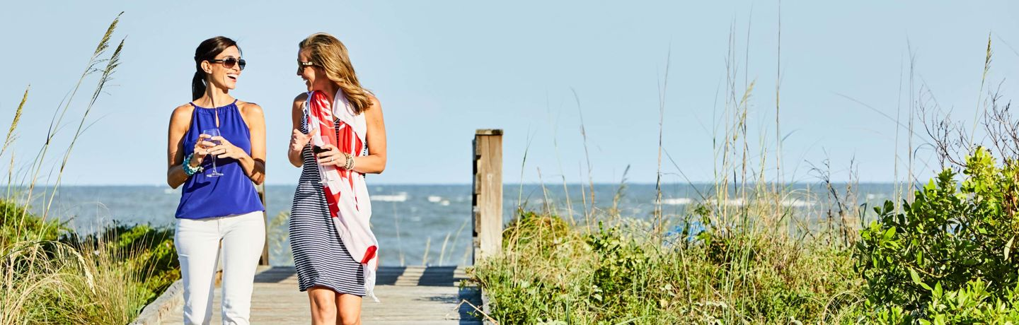 Girls_Getaway_Beach_Walk