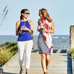 Girls_Getaway_Beach_Walk