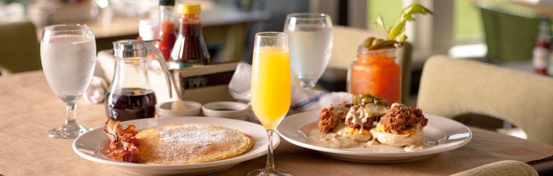 Breakfast at Huey's Southern Eats