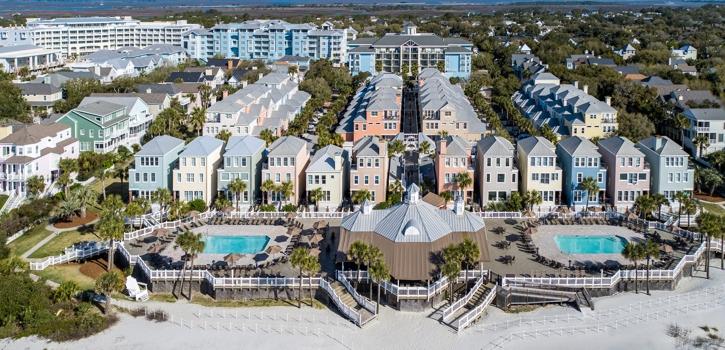 exterior view of wild dunes boardwalk inn
