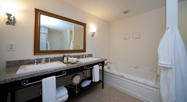 Wild Dunes_Accommodations_Village_2BR_Bathroom