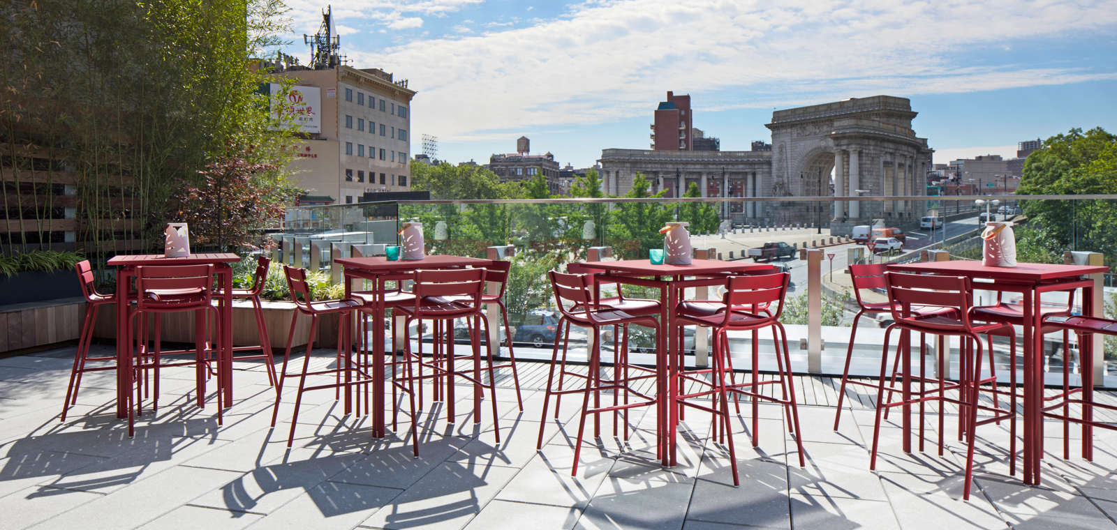NYC Terrace Overlooking The Manhattan Bridge