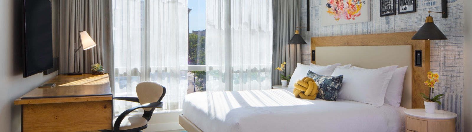 50bowery_DeluxeKing_Guestrooms