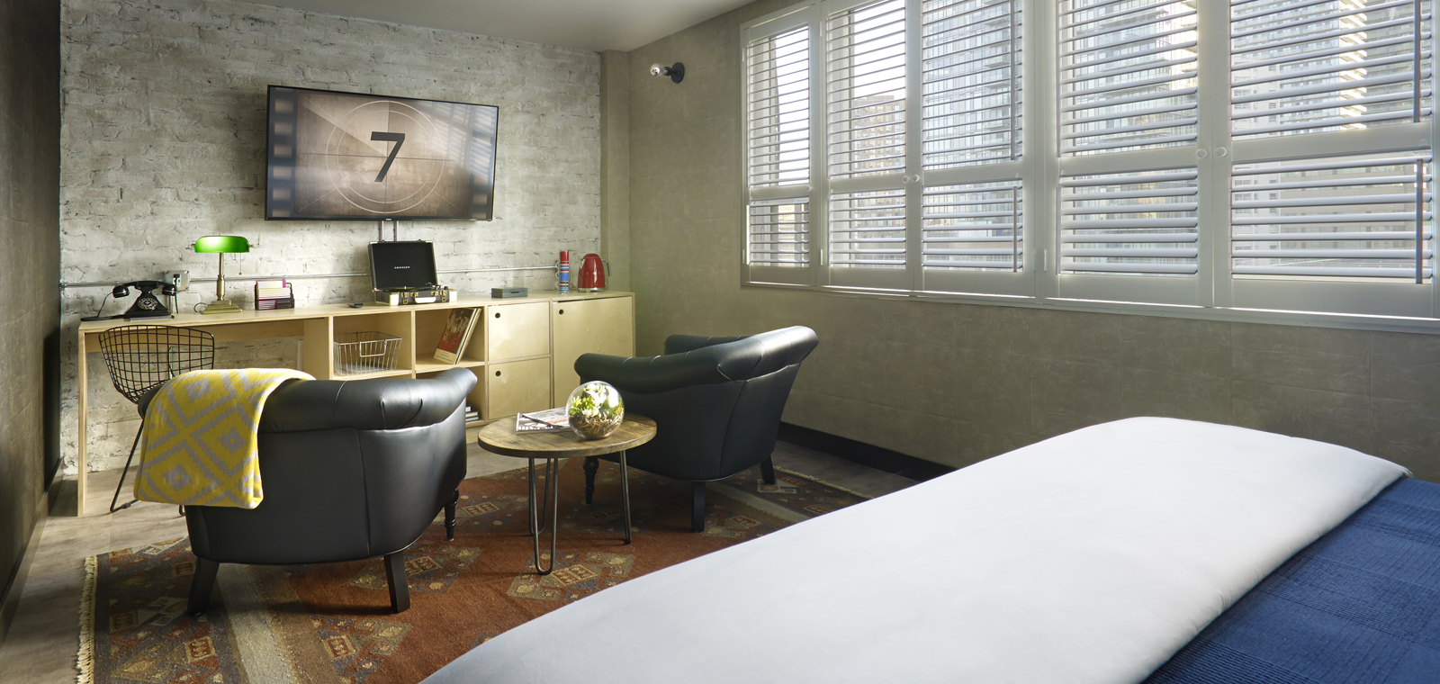 TORJD_P002_Corner_King_Studio_Room_Sitting_Area