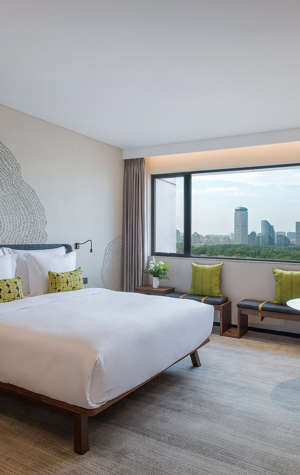 BEI-Zhaolong-Hotel-Guest-Room-City-View-King-Room