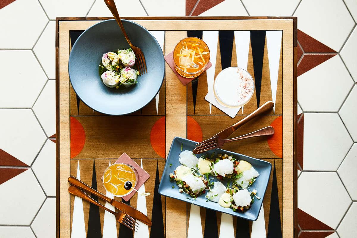 Revival_TopsideRestaurant_FoodGameTable