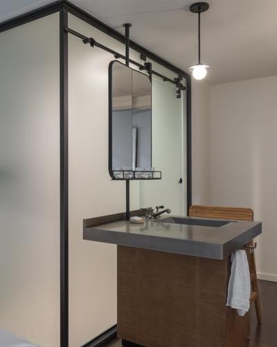 AUSTE_R004_Model_Room_King_Bathroom_Vanity