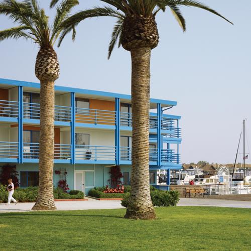 Waterfront Exterior Palms PR CR1108