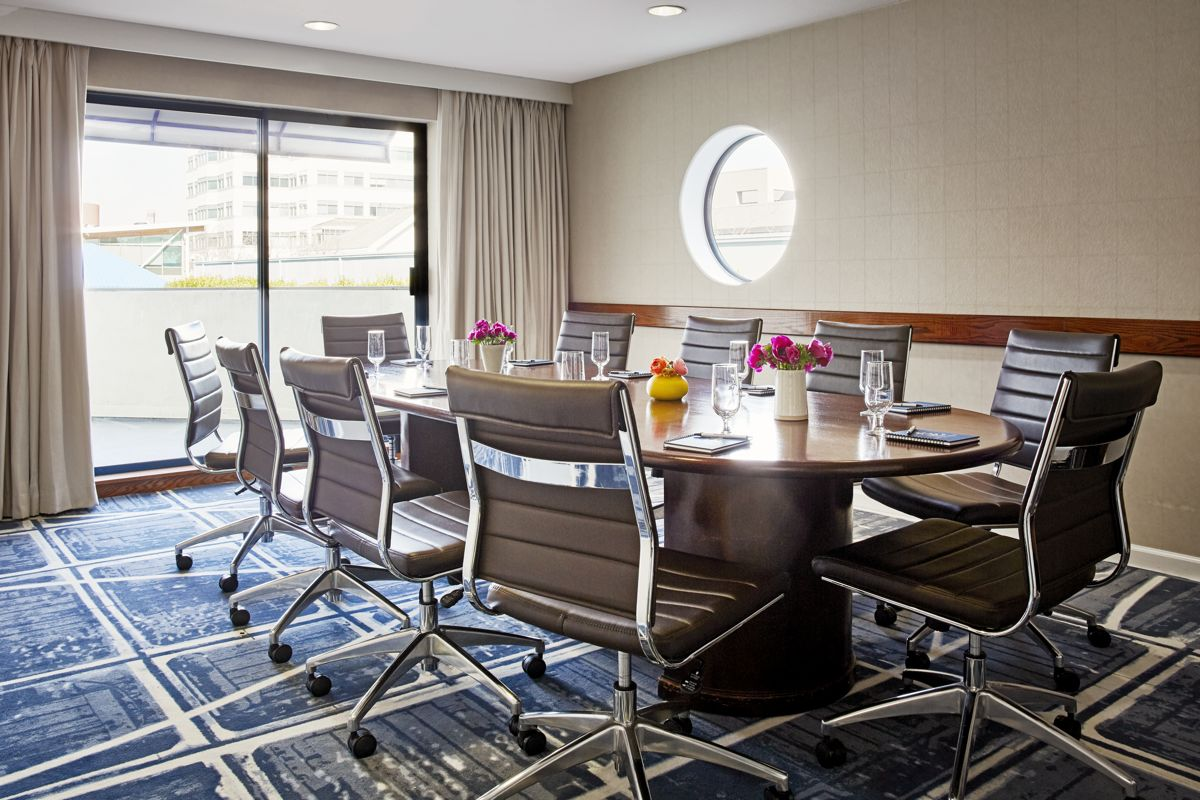 Waterfront-Hotel-Boardroom-282