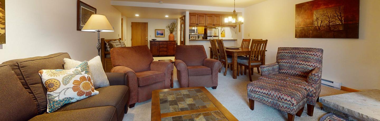 Fall-Ridge-204-living area