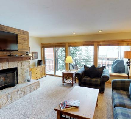 montaneros_accommodations_1b1b_livingroom