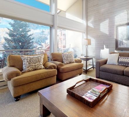 montaneros_accommodations_2b3b_livingroom2