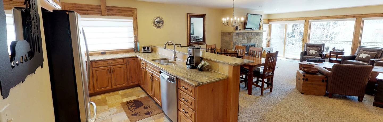montaneros_accommodations_3b2b_kitchen