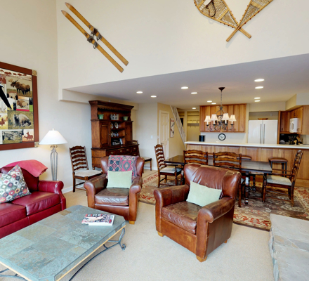 montaneros_accommodations_4b3b_livingroom