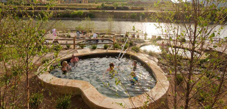 Soaking-Pools-at-the-Iron-Mountain-Hot-Springs-1-1024x683